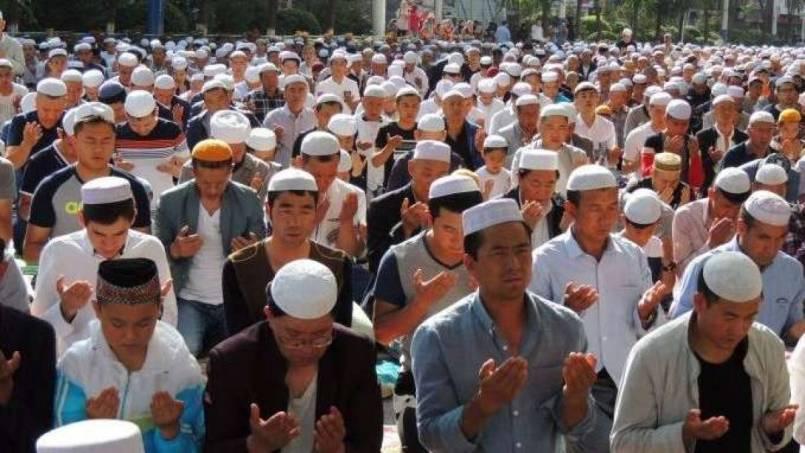 المسلمون في تركستان الشرقية والحياة في قبضة معسكرات الصين 1
