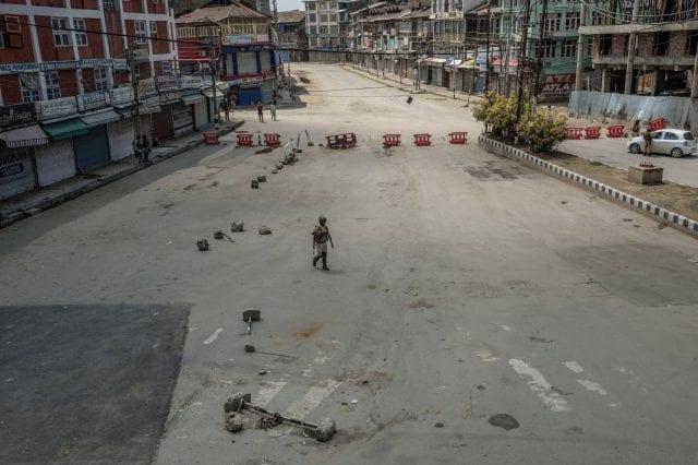 (آثار احتفالات يوم الاستقلال في سريناجار يوم 15 أغسطس - آب)