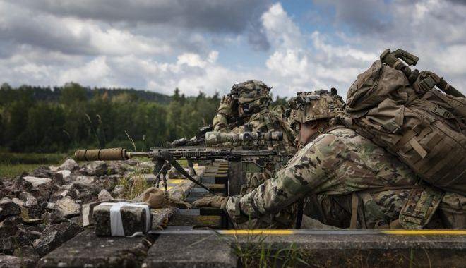 Francotiradores del ejército de EE. UU. En la competencia europea del mejor equipo de francotiradores 2019