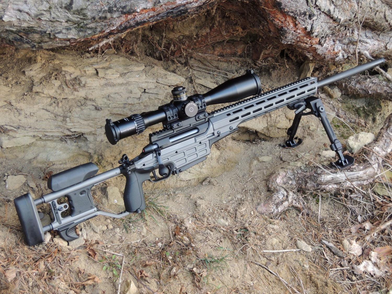 Sako TRG 42 A1 .338 LM + Schmidt Bender 5-45 × 56 PM II de alta potencia