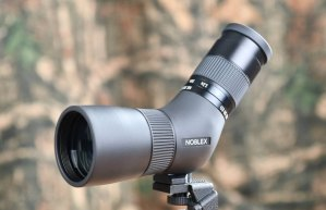 Noblex NS 8-24 x 50 ED, un telescopio compacto y liviano
