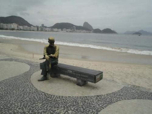 carlos-drummond-praia-copacabana