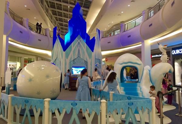 Brincadeira congelante no Shopping Mooca Plaza. (Foto: Alessandra Maróstica)
