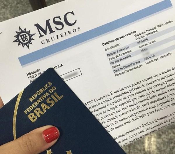 Documentos para check-in antes do embarque no MSC Splendida para a Travessia transatlântica. (Foto: Alessandra Maróstica)