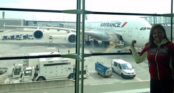 Nosso avião antes do embarque no aeroporto de Paris. Foto: CAFF / Blog Tirando Férias