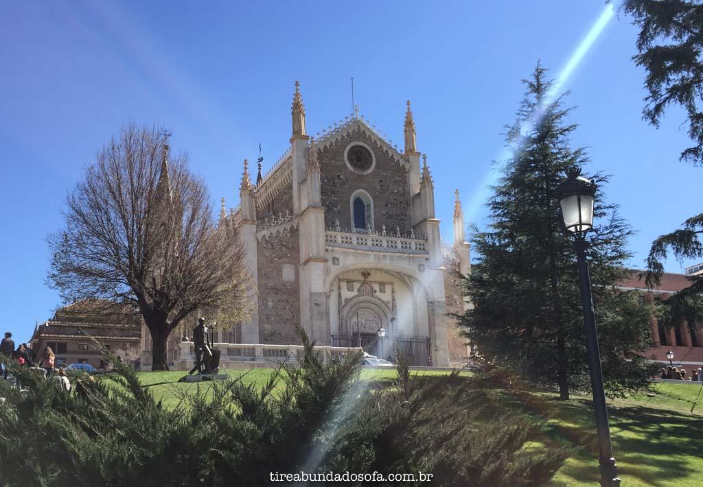 Lindas igrejas em Madrid, na Espanha
