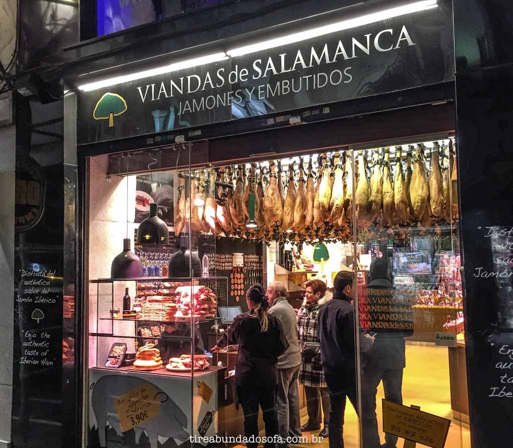Loja especializada em Jamón, na puerta del sol, em madrid, espanha
