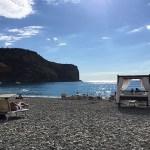 cadeiras e camas na praia, buddha beach bar, praia a mare, itália
