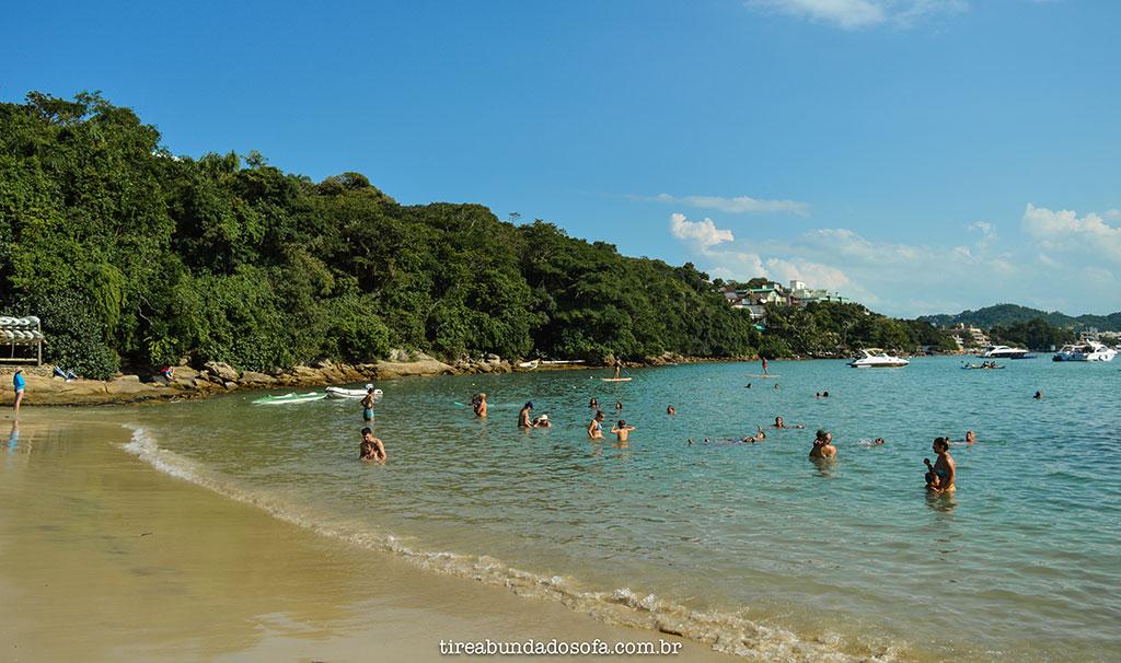 praia da sepultura bombinhas, santa catarina
