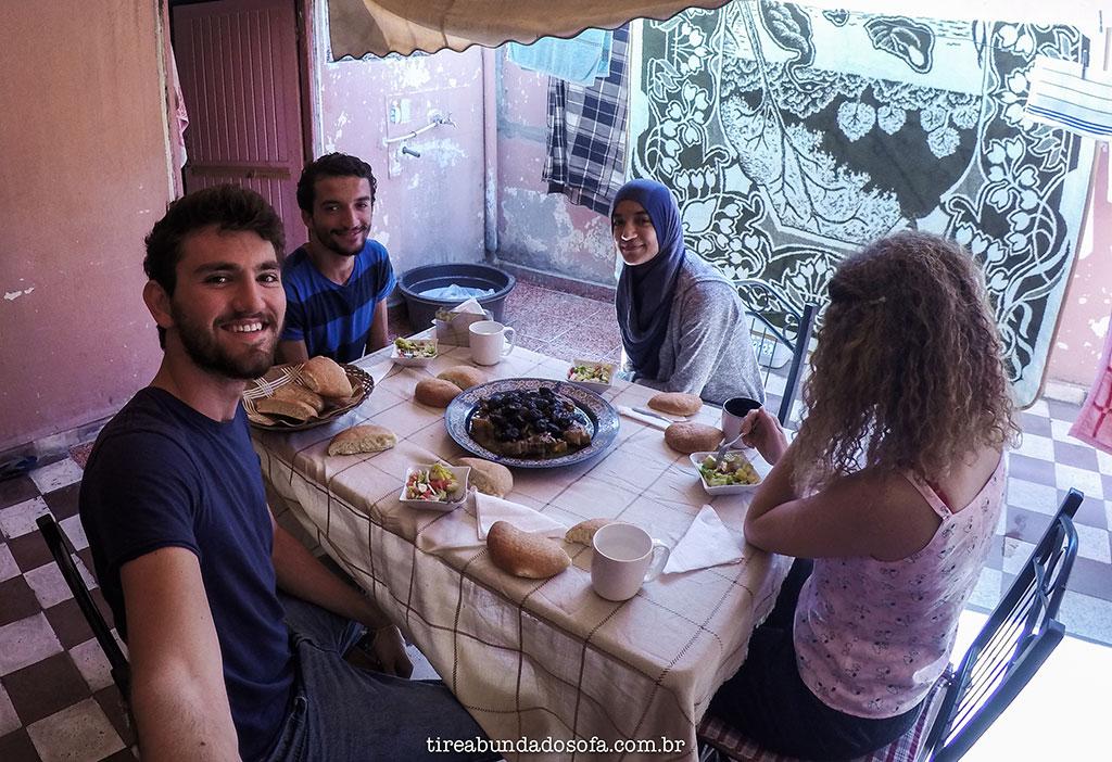 couchsurfing morocco, marrocos, hospedagem no marrocos, viajar de graça, hospedagem de graça, casablanca, maior cidade do marrocos, tajine, tagine