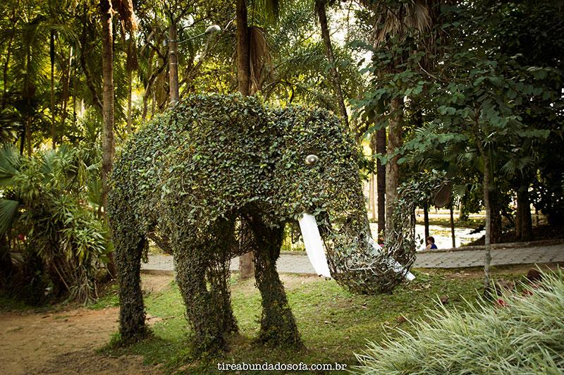 Elefante de plantas no parque malwee em jaraguá do sul