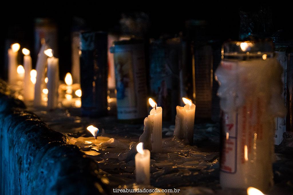 Homenagens deixadas pelos fiéis, no santuário de nossa senhora do caravaggio, em nova veneza
