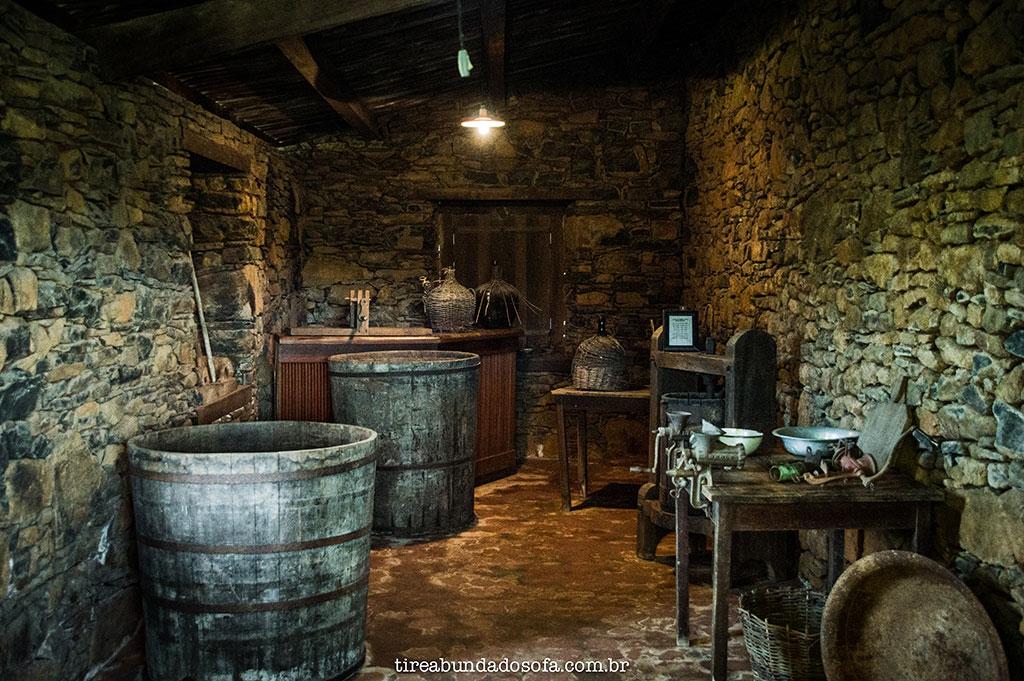 onde produzia-se queijos e vinhos nas casas de pedra de Nova Veneza