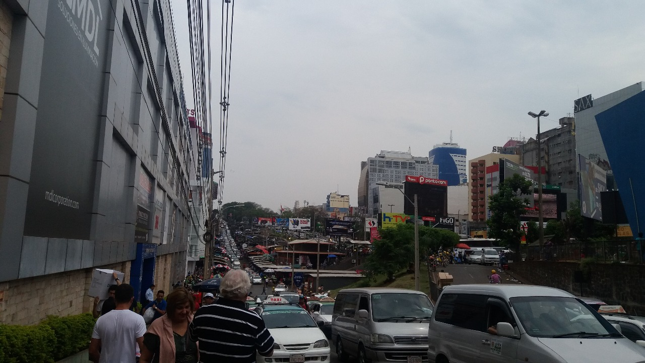 ruas de Ciudad del Este no paraguai