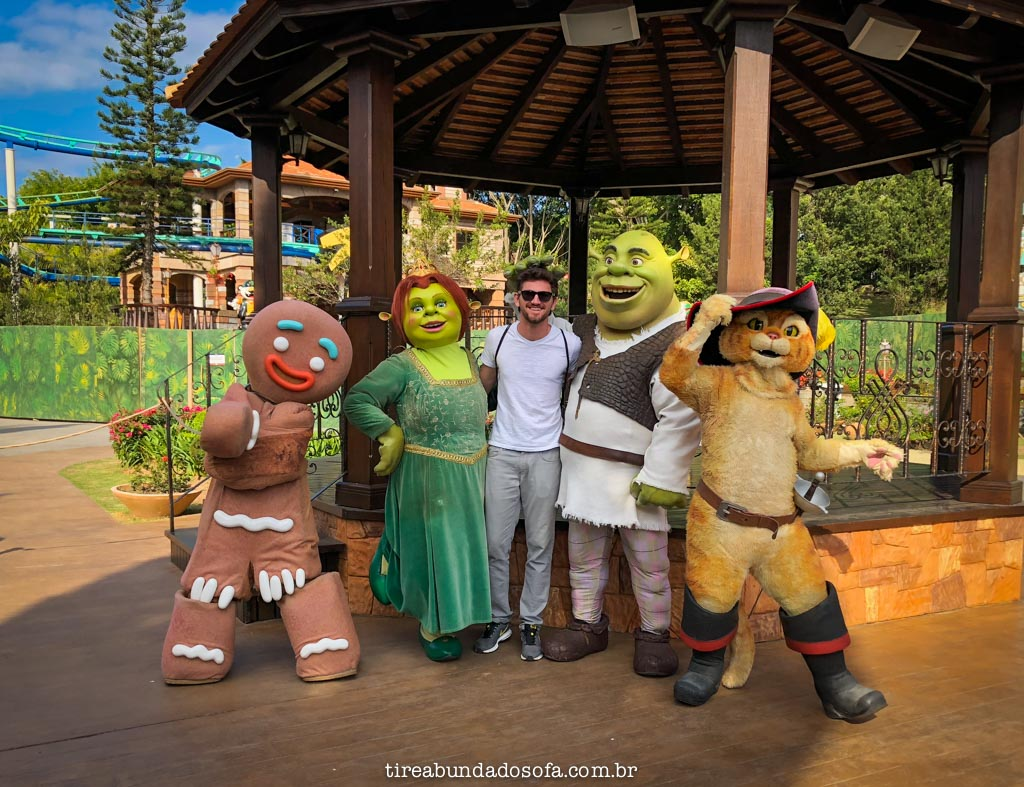 foto com o shrek no beto carrero world