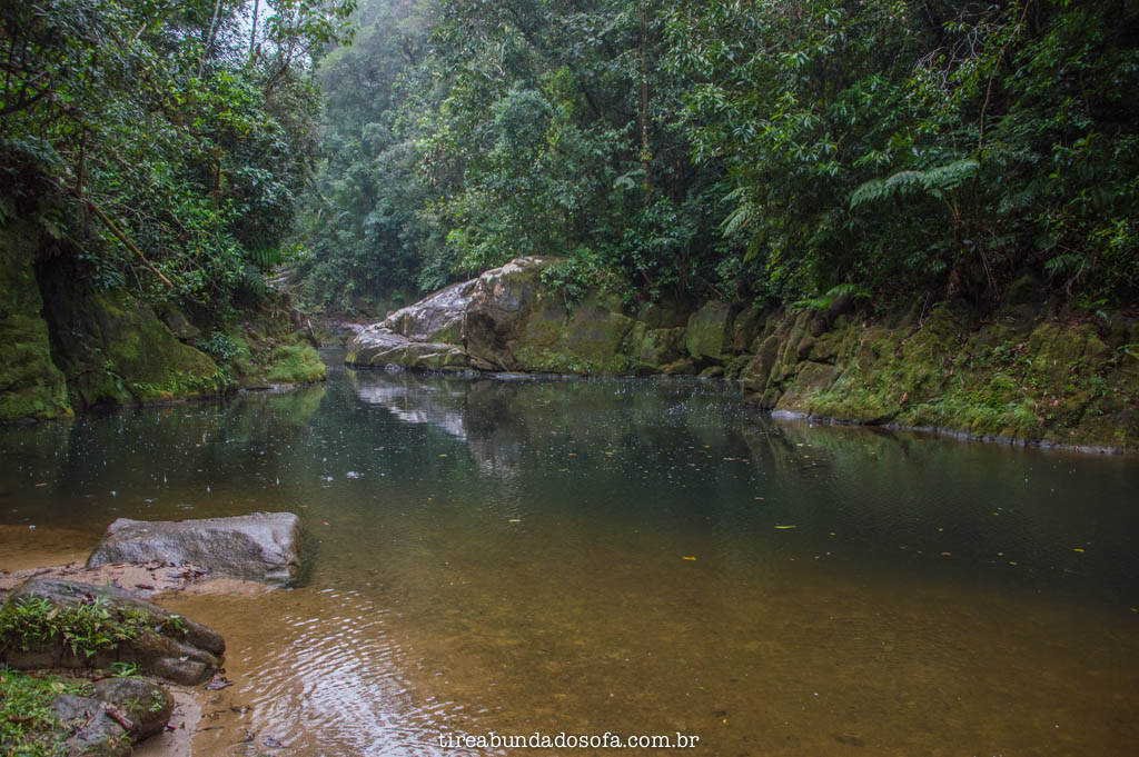 cachoeira do mandira, em cananéia