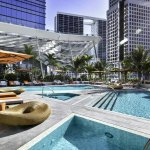piscinas do Hotel EAST, em Miami