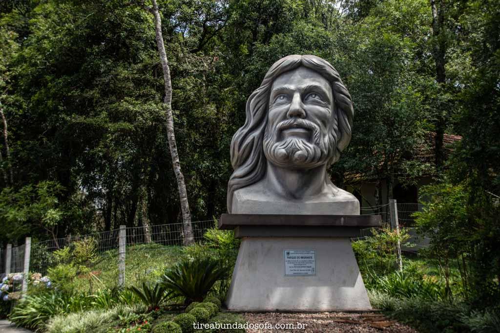 Monumento do Parque do Imigrante, em Treze Tílias, Santa Catarina