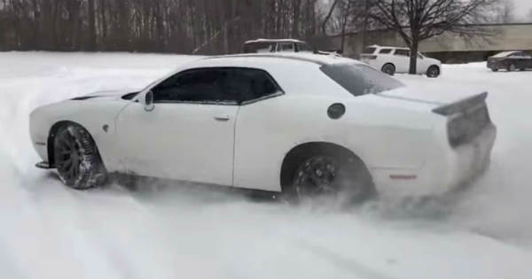 1000HP Hellcat ChallengerShootingFlames Having Fun in the Snow 2