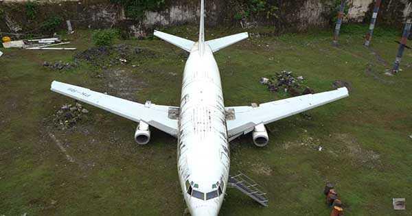 Abandoned 737 Plane 2