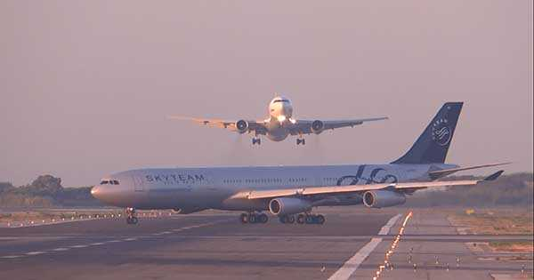 Airplane Close Encounter On Spanish Runway 1