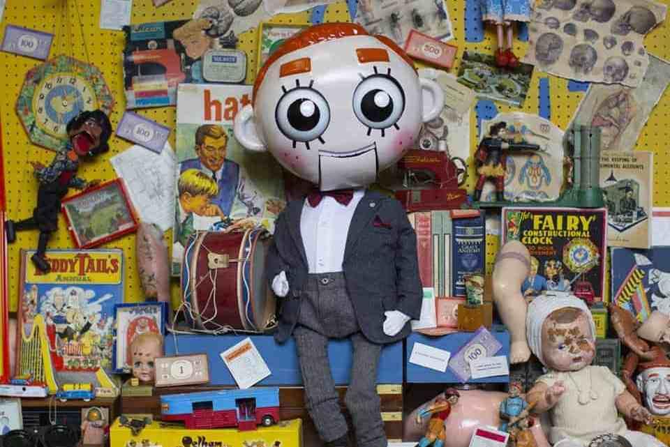 Handmade Mysteries – Poppa Plock's Wonky Workshop Escape Room