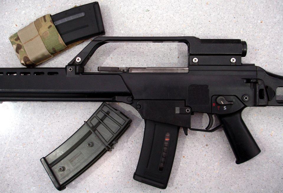 Cargador PMAG30G introducido en un HK G36.