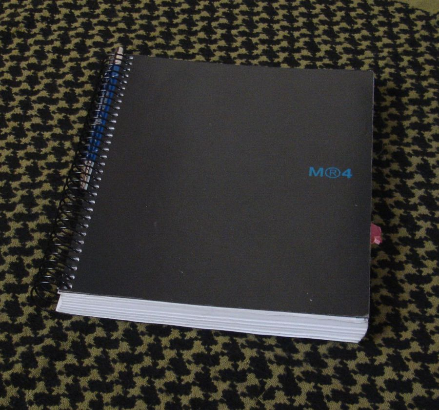 Bolígrafo y libreta (1)