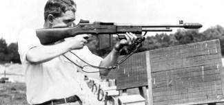 Es difícil equivocarse con el fusil automático BAR. Potente y fiable, el BAR ponía una gran potencia de fuego portátil en manos de cualquier soldado.
