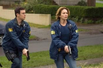 Agentes del FBI armados con pistola