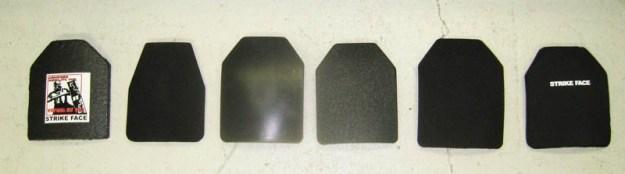 Pruebas de blindajes Nivel III para policías patrulleros. De izquierda a derecha: placas AMI, DBT, DT, MSA, TenH, TenD
