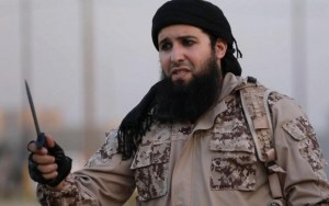 Rachid Kassim, reclutador del Estado Islámico, posiblemente fallecido en un ataque aéreo estadounidense en febrero de 2017. Foto de un vídeo de propaganda del ISIS