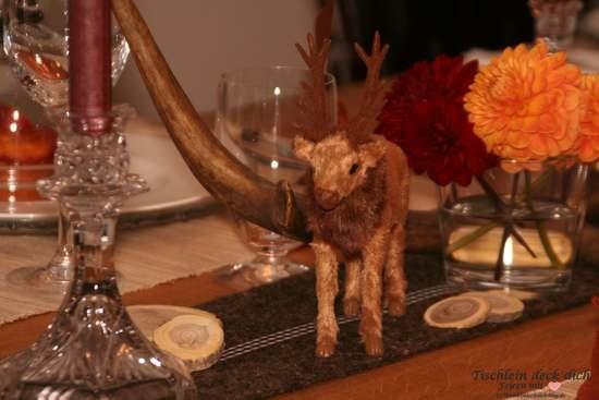 Herbstliche Tischdekoration Hirsch mit Dekohirsch