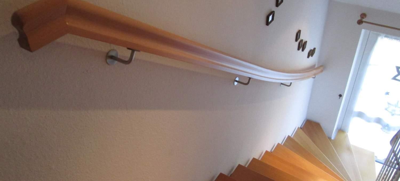 handlauf wandhandlauf nat rlich aus holz tischlerei. Black Bedroom Furniture Sets. Home Design Ideas