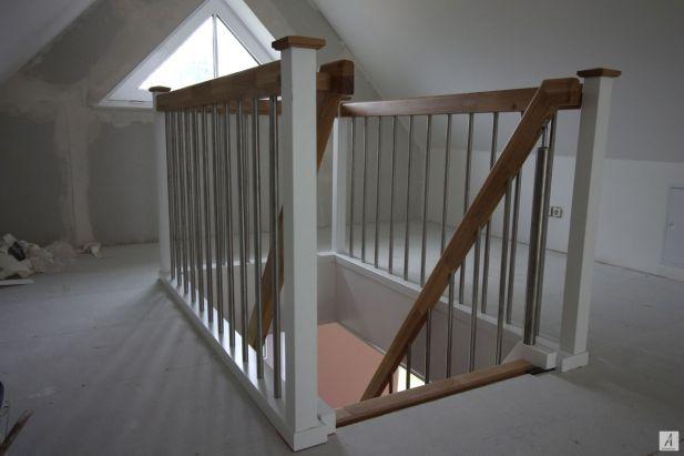 Treppe-zum-Dachboden-004