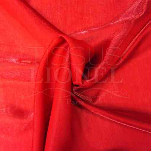 Satin changeante rouge