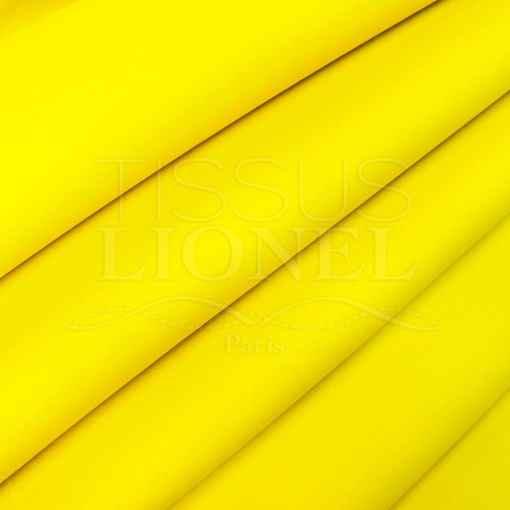 Scuba jaune