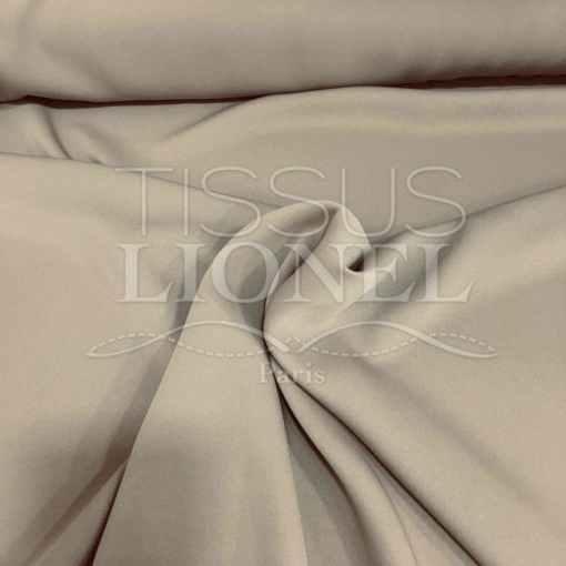 crêpe couture beige