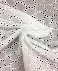 Broderie anglaise blanche 14