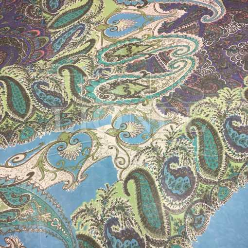 Mousseline de soie motif Paisley fond bleu
