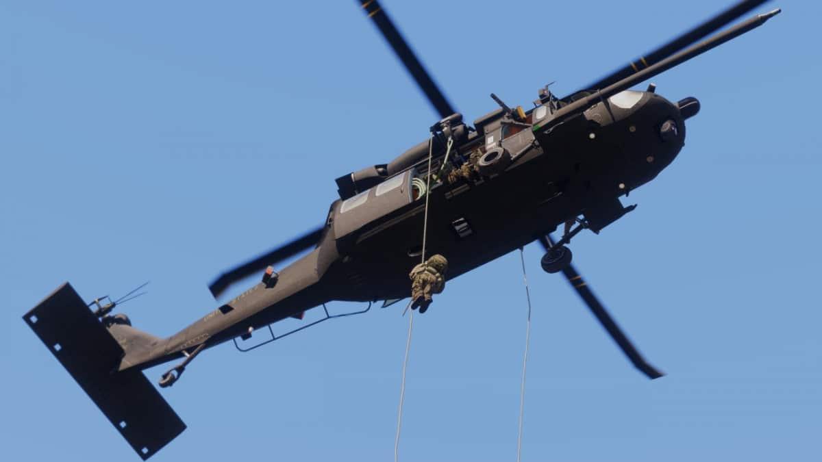 ArmA 3 Fast Rope Blackhawk Yax
