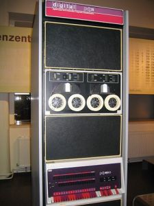"""Pdp-11-40"" by Stefan_Kögl - Own work. Licensed under CC BY-SA 3.0 via Wikimedia Commons - https://commons.wikimedia.org/wiki/File:Pdp-11-40.jpg#/media/File:Pdp-11-40.jpg"