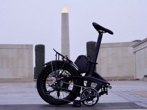 TitaniumGeek A650044 Enter the Gron folding eBike Bikes Cycling  Sustainable transport Gron folding bikes eBikes commuting carvaning Brompton   Image of A650044