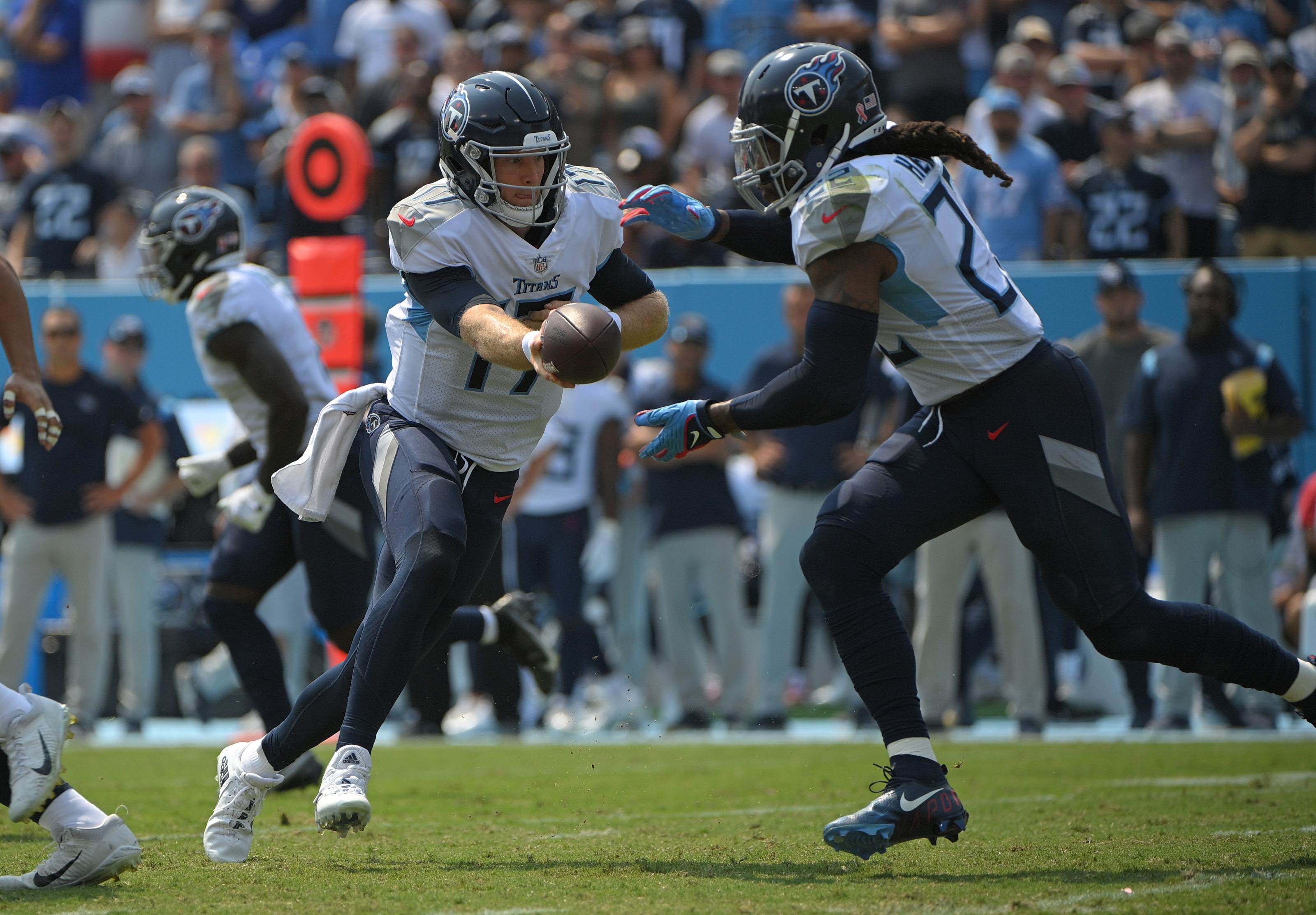 Derrick henry carried the ball 35 times for 182 yards and three touchdowns in sunday's week 2 win over the seahawks. Lceasl Pa Oylm