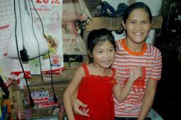 Sherlyn's mama en haar zusje