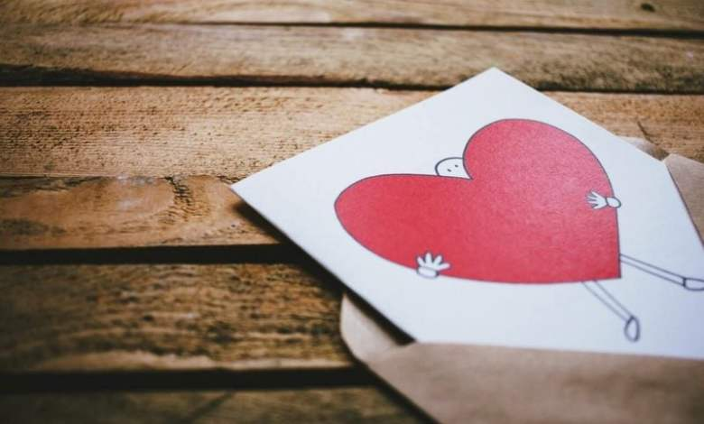 Photo of Kumpulan Puisi Cinta Pendek Romantis buat Pacar, Menyentuh Hati