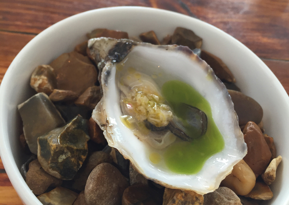 Oyster in verjus