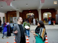 مجید موثقی در حال تدریس کارگاهی فیلم سازی