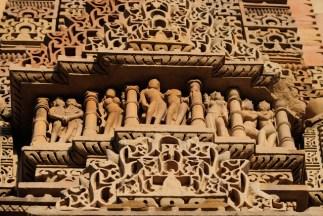 javari-temple-khajuraho-1615081-639x427