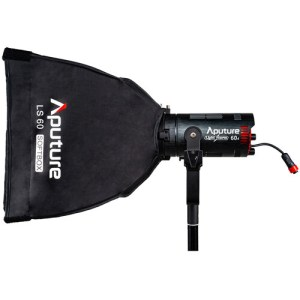 LIGHT CONTROL GRID Following Aputure's philosophy of ultimate light control for both soft and hard lights, the LS 60 Softbox includes a fabric light control grid to give the soft light direction and minimize excess spill.